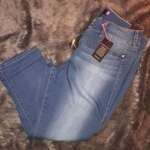 Torrid Cropped Jegging Jeans 20 NWT Crop